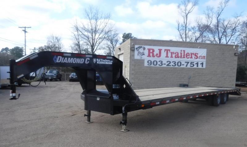 2020 Diamond C Trailers 102 x 32 FMAX210 Equipment Trailer