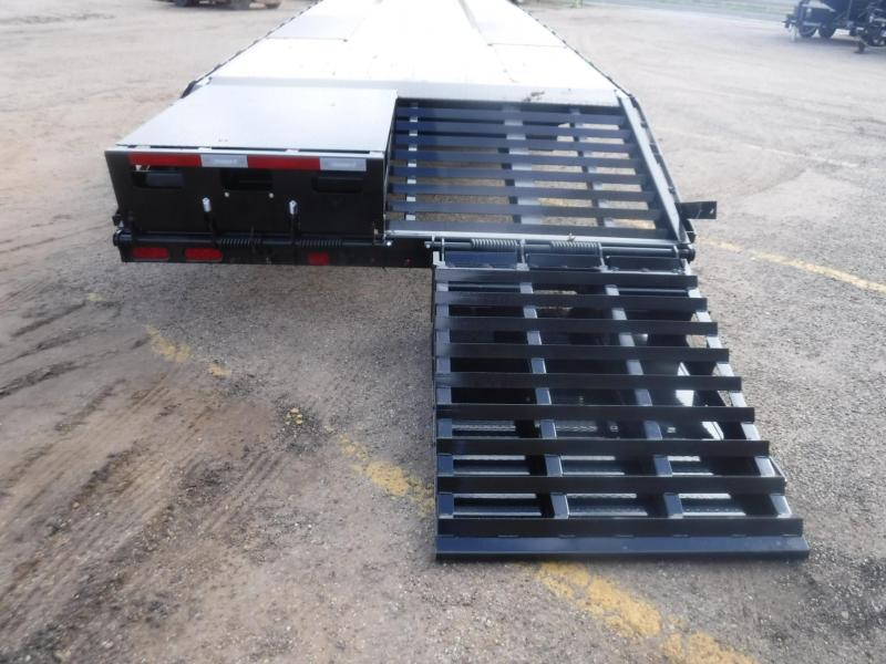 2020 Diamond C Trailers 102 x 32 FMAX210 Equipment Trailer