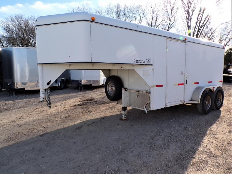 2004 W-W Trailer 22' Steel Gooseneck Enclosed Cargo Trailer