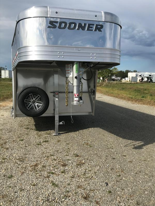 2020 Sooner Select 7024W 10 Pen Trailer