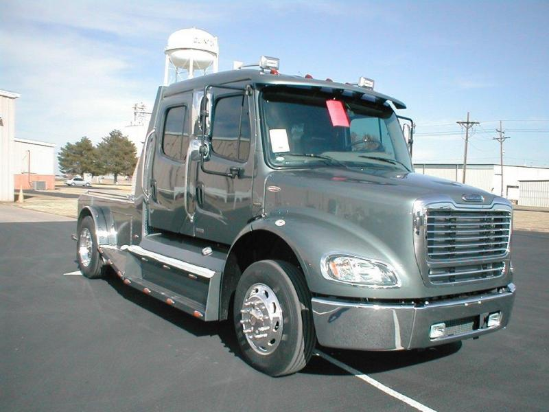 2020 Freightliner Heavy Duty Truck