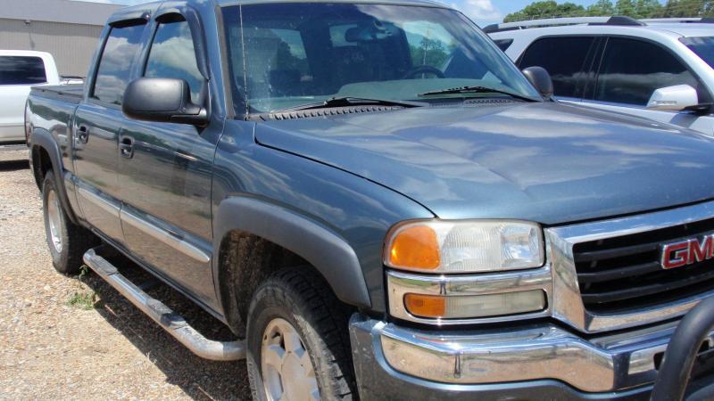 2007 GMC SIERRA 1500 CREW CAB 4X4 Truck
