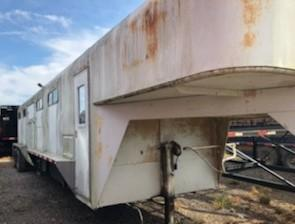 2005 Homemade DRAFT Horse Trailer