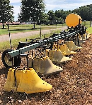 2002 420 REDBALL 12 ROW HOOD SPRAYER