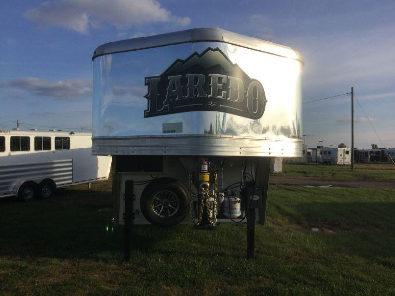 2019 Bison Trailers 8316LDBL-SLIDE OUT Horse Trailer