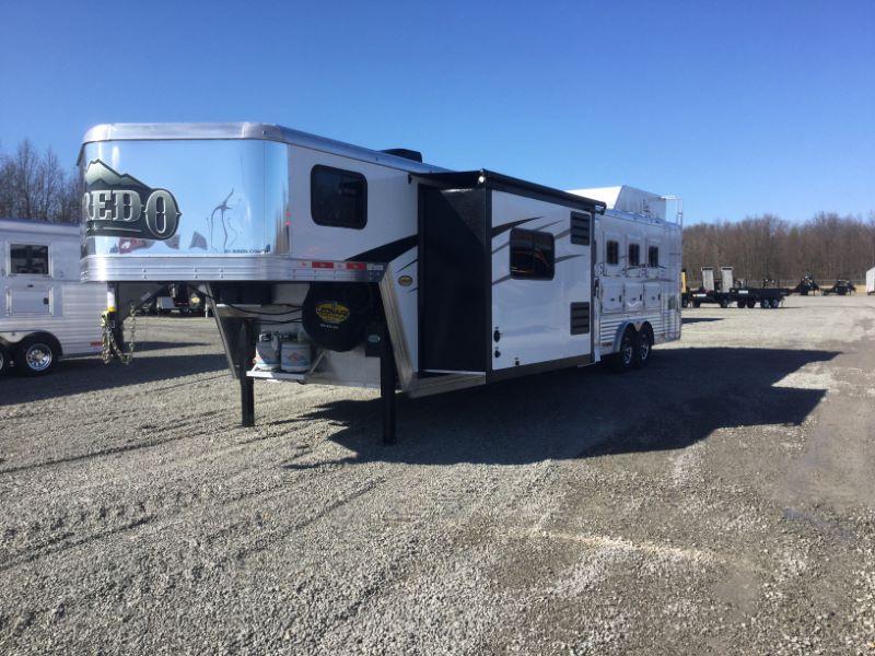 2020 4 HORSE BISON GOOSENECK LIVING QUARTERS HORSE TRAILER