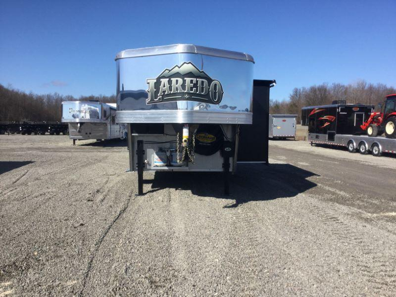 2020 Bison Trailers 8413LDRSGB-SLIDE OUT Horse Trailer