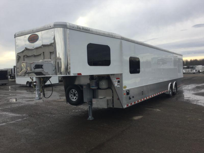 2019 8.5X42 SUNDOWNER GOOSENECK LIVING QUARTERS TOY HAULER