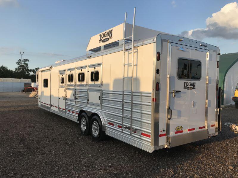 2020 4 HORSE LOGAN GOOSENECK LIVING QUARTERS HORSE TRAILER