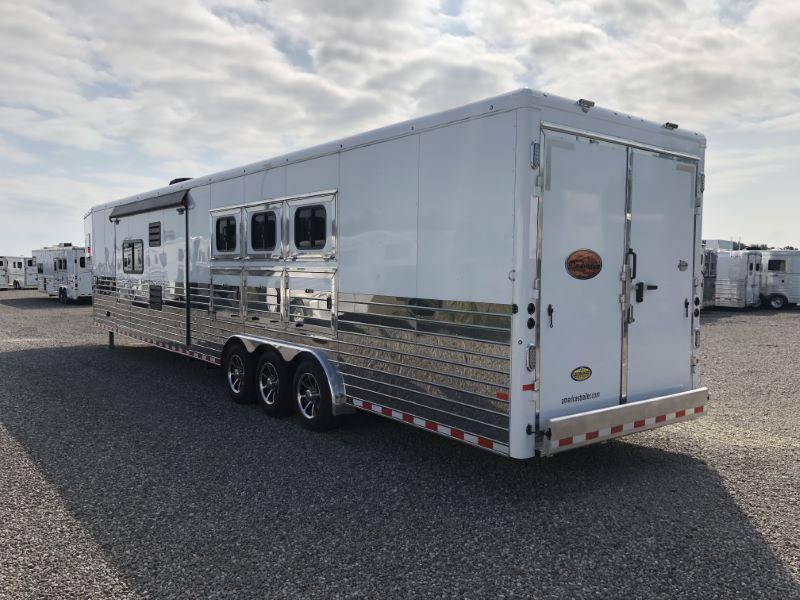 2018 3 HORSE SUNDOWNER GOOSENECK LIVING QUARTERS HORSE TRAILER