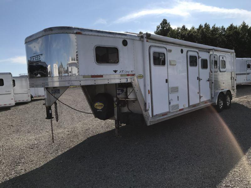 2001 3 HORSE EXISS GOOSENECK LIVING QUARTERS HORSE TRAILER