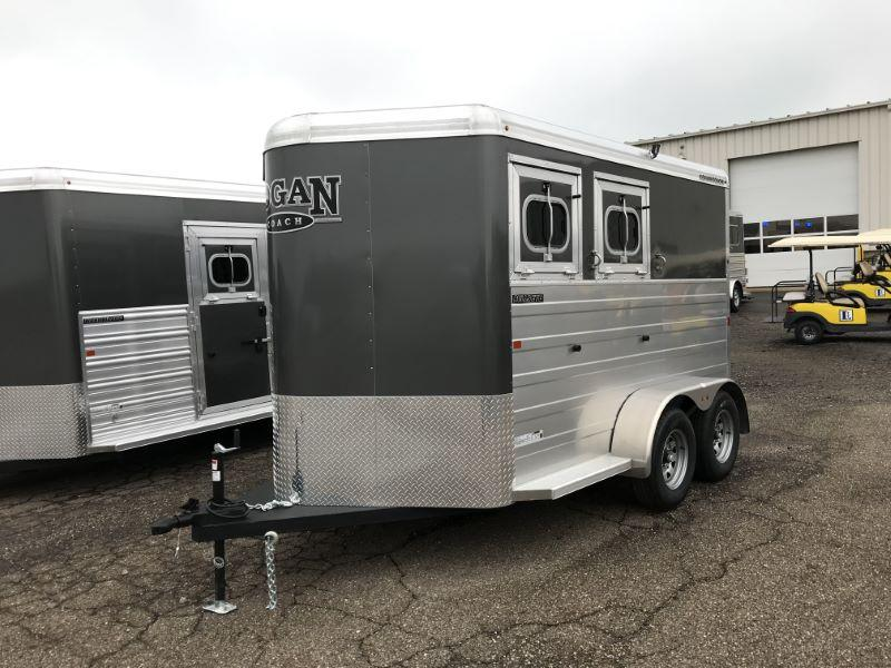 2019 2 HORSE LOGAN COACH BUMPER PULL W/DRESS HORSE TRAILER
