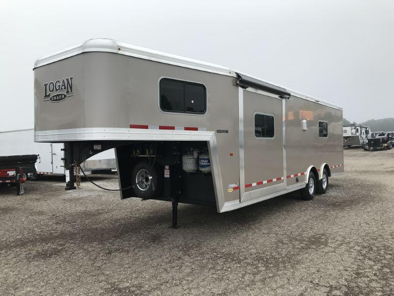 2019 8.5X32 LOGAN COACH GOOSENECK LIVING QUARTERS TOY HAULER