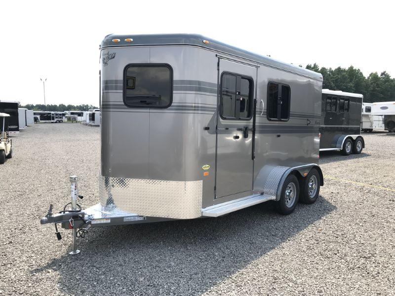 2020 2 HORSE HAWK BUMPER PULL W/DRESS HORSE TRAILER