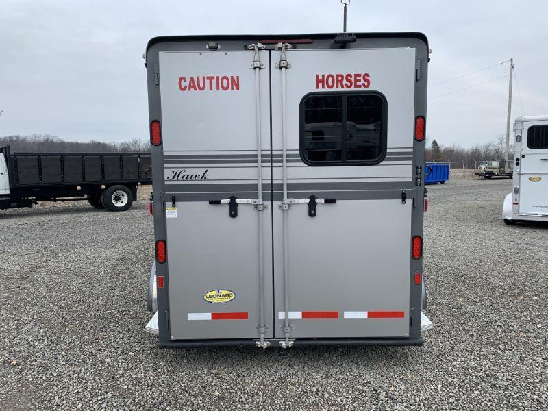 2015 2 HORSE HAWK GOOSENECK W/DRESS HORSE TRAILER