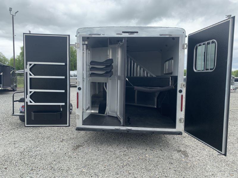 2020 3 HORSE BISON GOOSENECK W/LIVING QUARTERS HORSE TRAILER