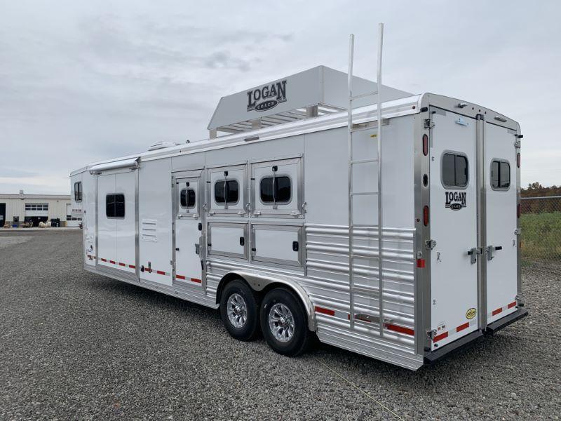 2020 3 HORSE LOGAN GOOSENECK LIVING QUARTERS HORSE TRAILER