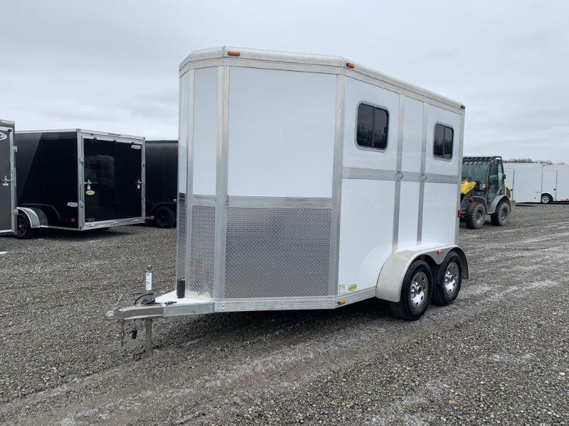 2013 ECLIPE BUMPER PULL STRAIGHT LOAD HORSE TRAILER