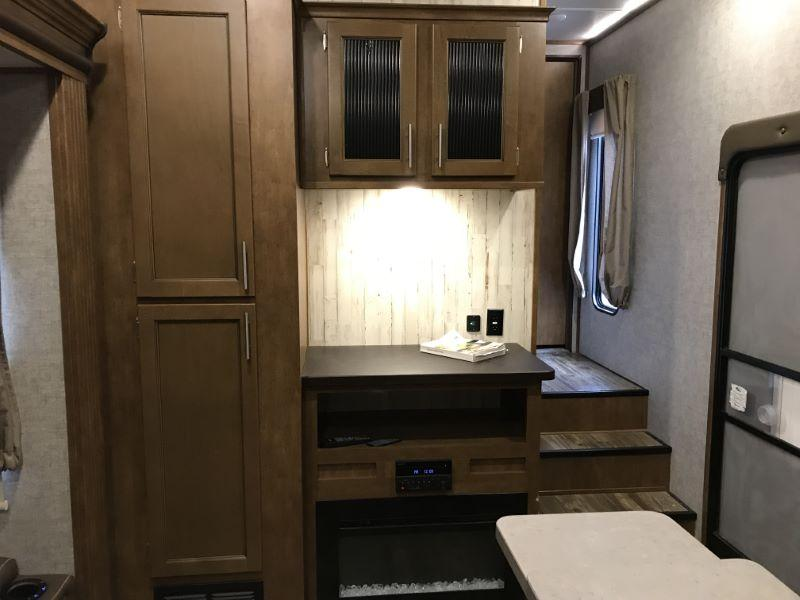 2018 FOREST RIVVER TRAVEL TRAILER