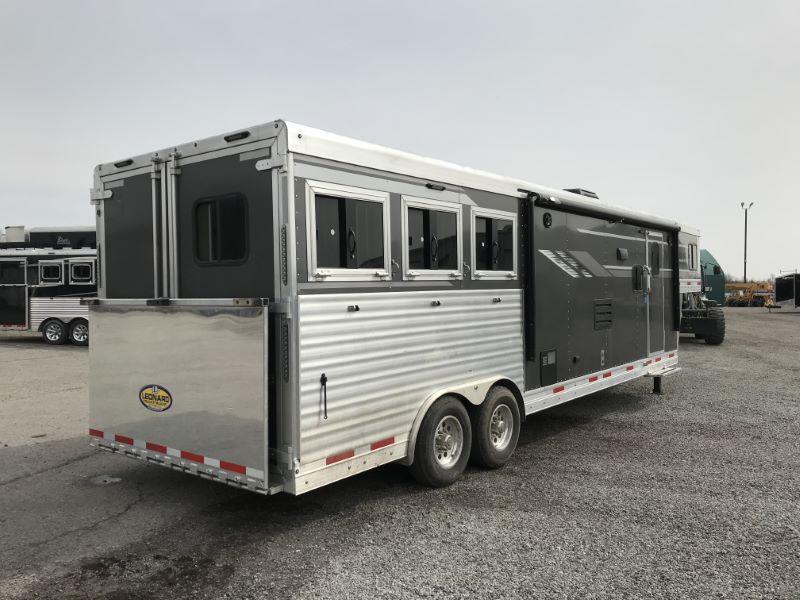 2020 3 HORSE SMC GOOSENECK W/LIVING QUARTERS HORSE TRAILER