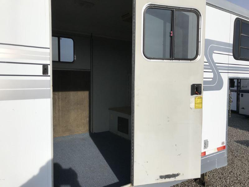 2002 3 HORSE HAWK GOOSENECK W/DRESS HORSE TRAILER