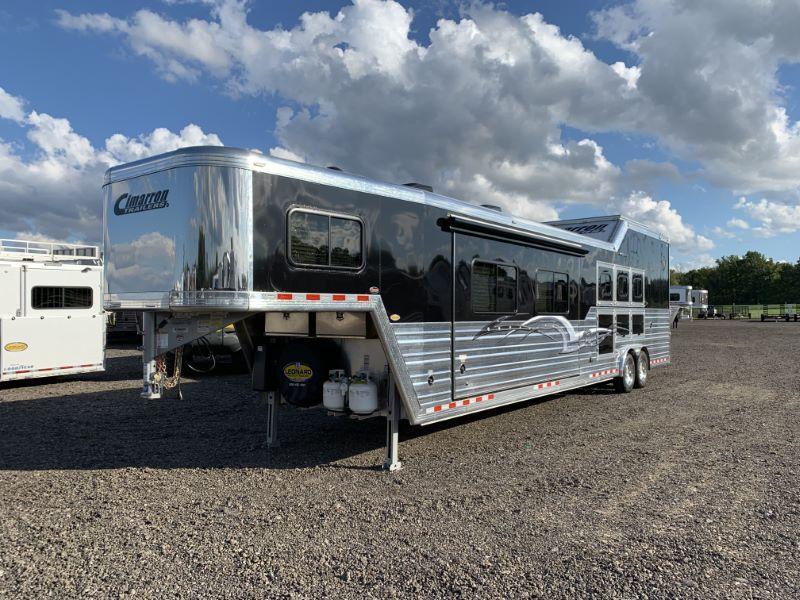 2019 3 HORSE CIMARRON GOOSENECK LIVING QUARTERS HORSE TRAILER