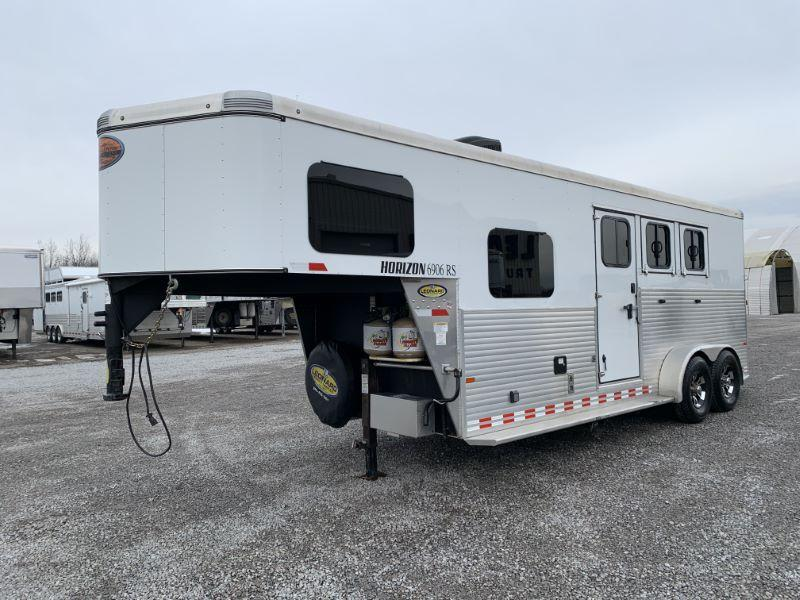 2016 SUNDOWNER GOOSENECK LIVING QUARTERS HORSE TRAILER