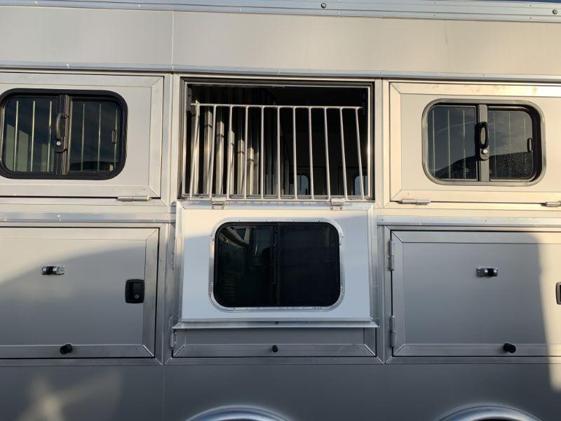2020 3 HORSE SUNDOWNER GOOSENECK LIVING QUARTERS HORSE TRAILER