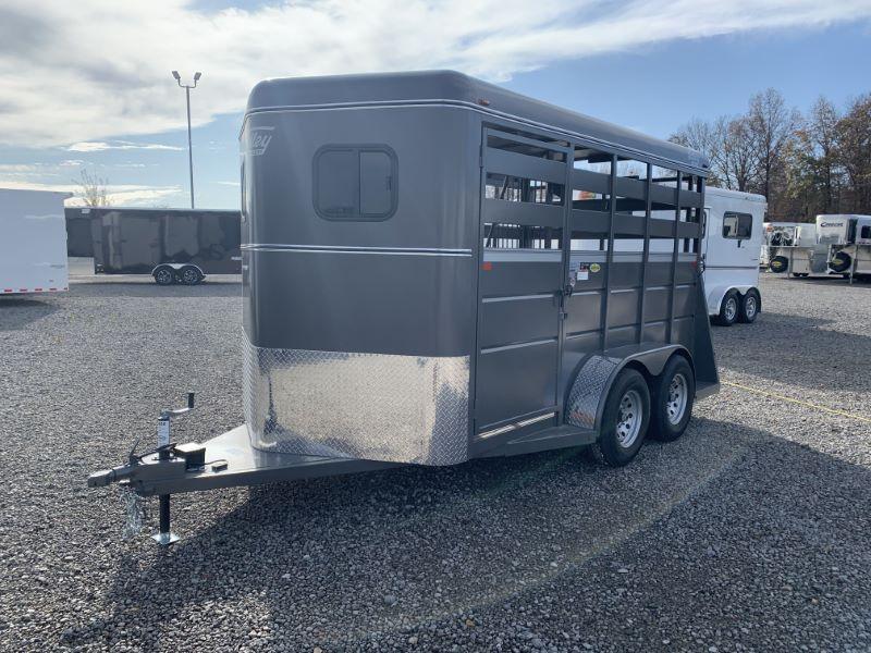 2020 2 HORSE VALLEY BUMPER PULL W/DRESS HORSE TRAILER