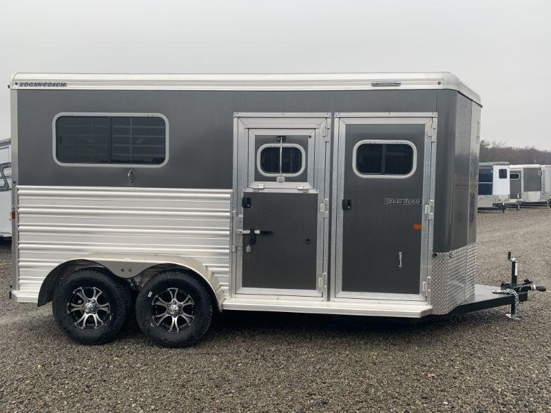 2020 2 HORSE LOGAN COACH GOOSENECK W/DRESS HORSE TRAILER