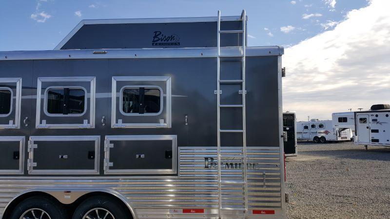 2019 4 HORSE BISON GOOSENECK LIVING QUARTERS HORSE TRAILER