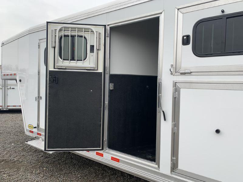 2020 6 HORSE CIMARRON GOOSENECK W/DRESS HORSE TRAILER