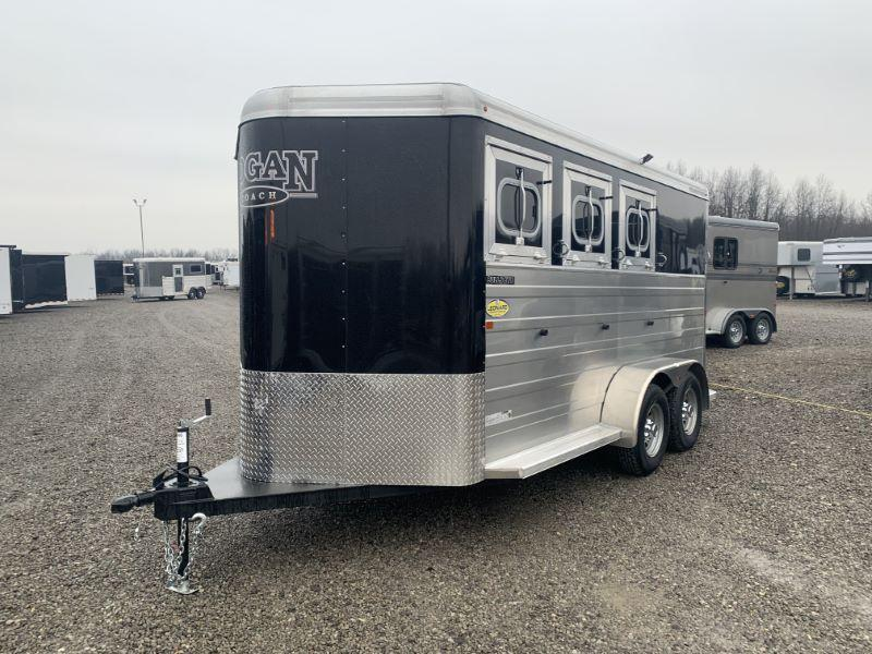 2020 3 HORSE LOGAN COACH BUMPER PULL W/DRESS HORSE TRAILER