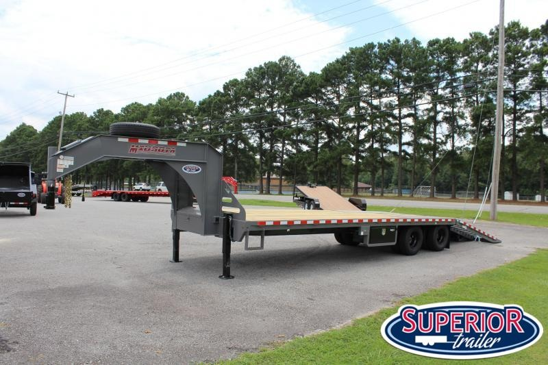 2020 Midsota 32' Low Pro Gooseneck w/ Hydraulic Dovetail