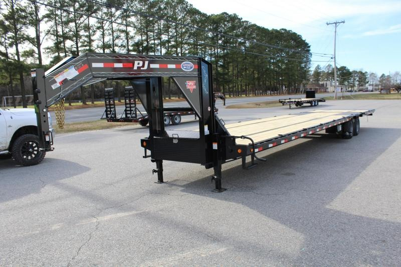 2019 PJ 40ft Low Pro Gooseneck w/ 12K Axles and Hydraulic Dovetail