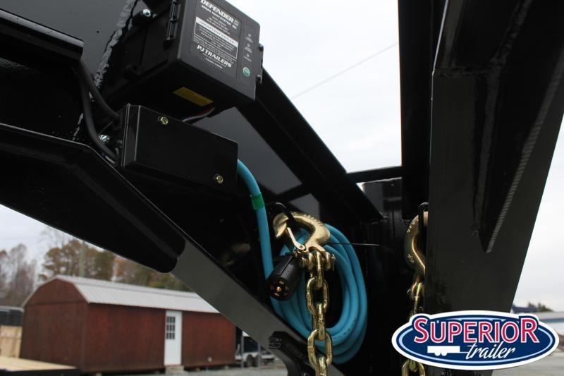2020 PJ Trailers 24 F8 Gooseneck w/ Fold Up Ramps