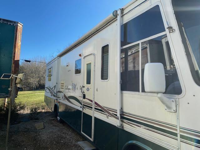 1999 Damon Corporation Other 335 Class A RV