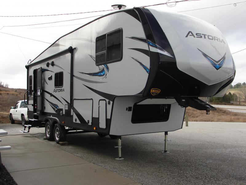 2018 Keystone RV  Aerolite 2513RLF Travel Trailer