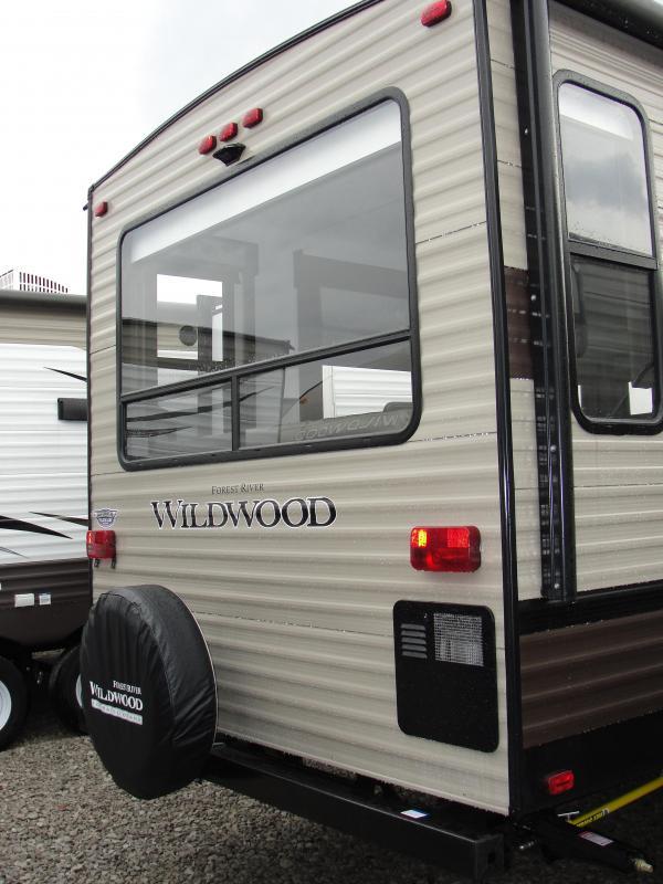 2019 Wildwood 32RLDS Travel Trailer