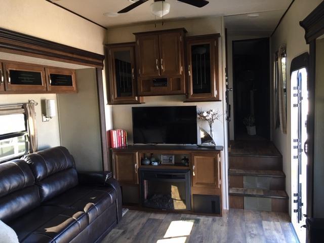 2017 Forest River, Inc. Heritage Glen 346RK Fifth Wheel Campers RV