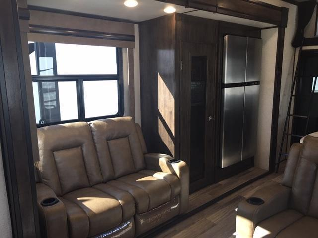 2020 Dutchman Mfg Voltage VT4195 Toy Hauler RV