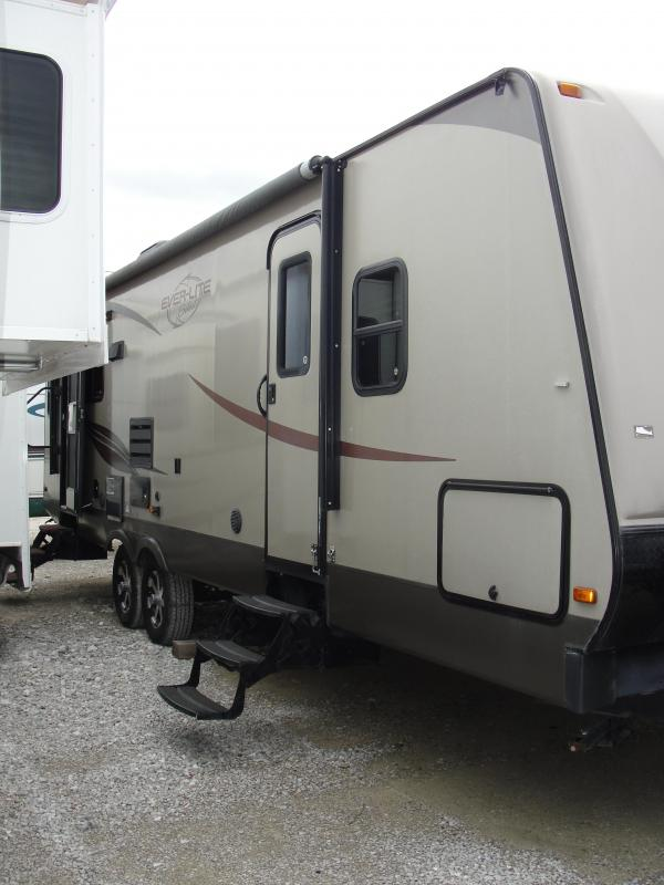 2013 EverLite Inc. 30RLW Travel Trailer