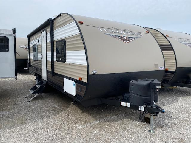 2019 Forest River Inc. Wildwood X-lite 241QBXL Travel Trailer RV