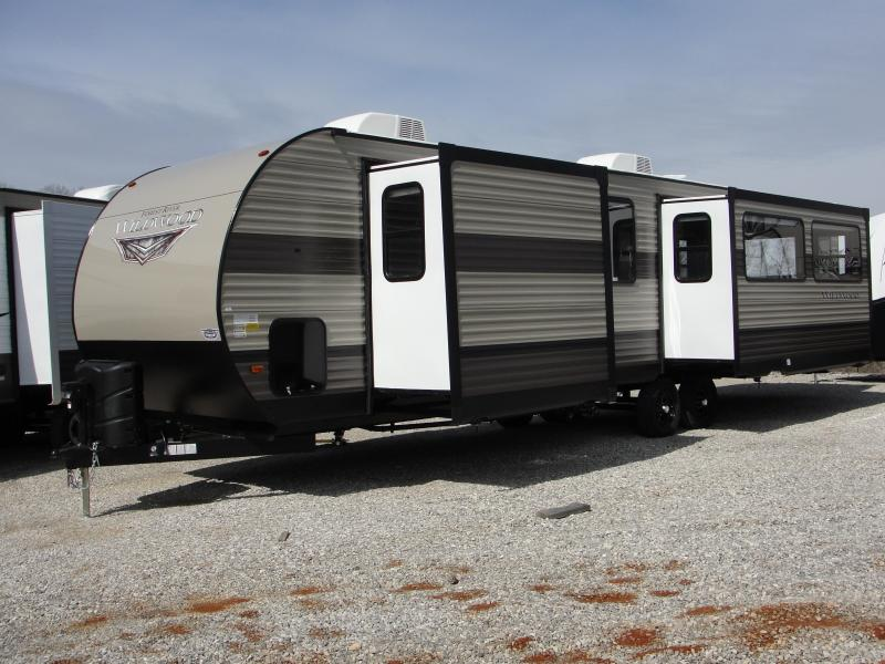 2019 Wildwood 32RLDS Travel Trailer