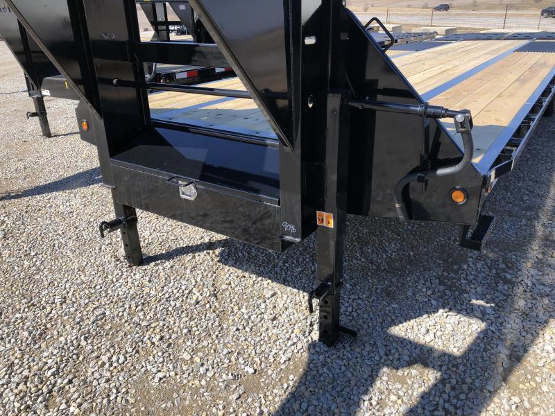 New Big Tex 33' Gooseneck 23900#