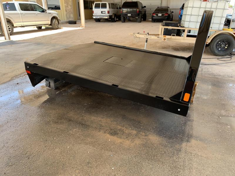 2018 CM Smooth Rail Flatbed