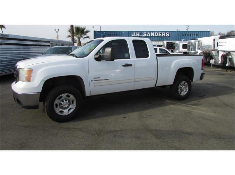 2007 GMC Sierra 2500 HD Extended Cab SLE Pickup 4D 6 1/2 ft