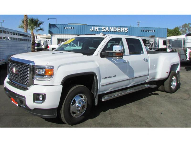 2015 GMC Sierra 3500 HD Crew Cab Denali Pickup 4D 8 ft