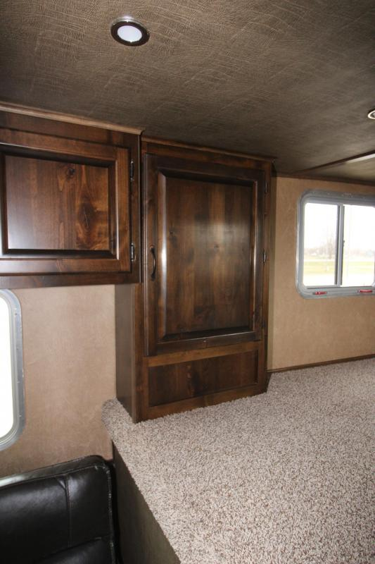2019 Featherlite 3HR 6 LQ Horse Trailer