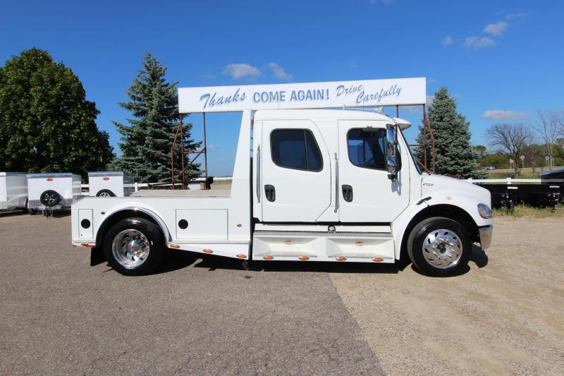 2005 Freightliner M2 Sport Chassis